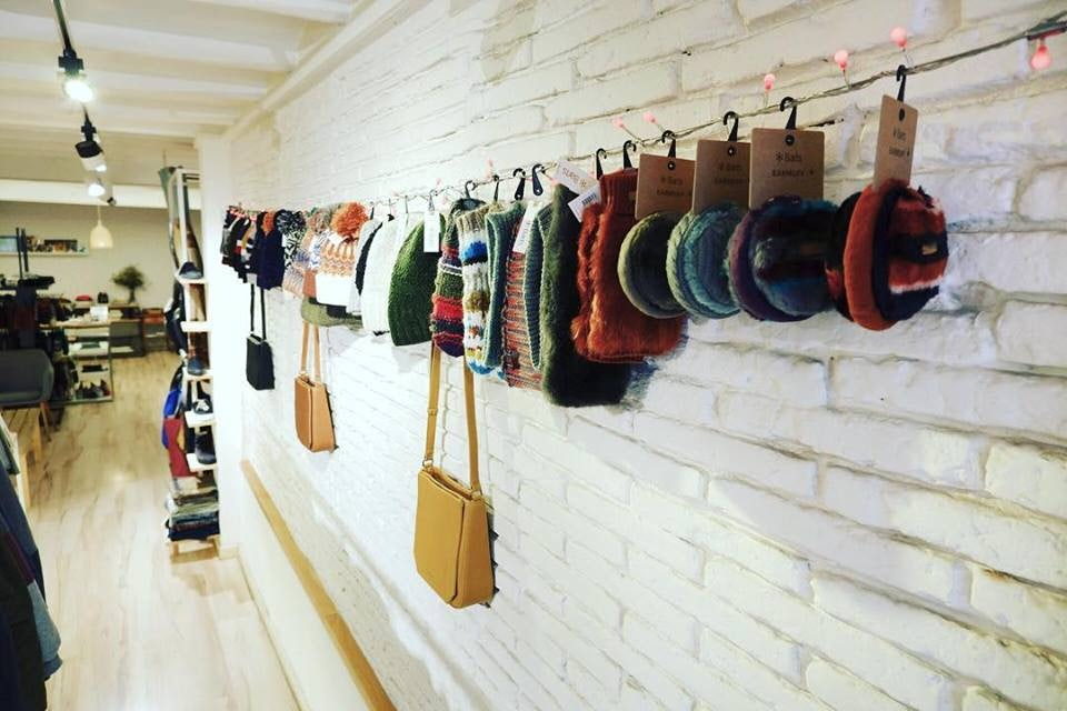 vegan produced handbags at Amapola