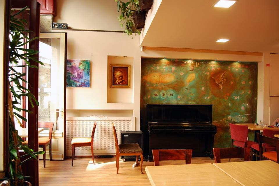 interior of iF Jazz Café