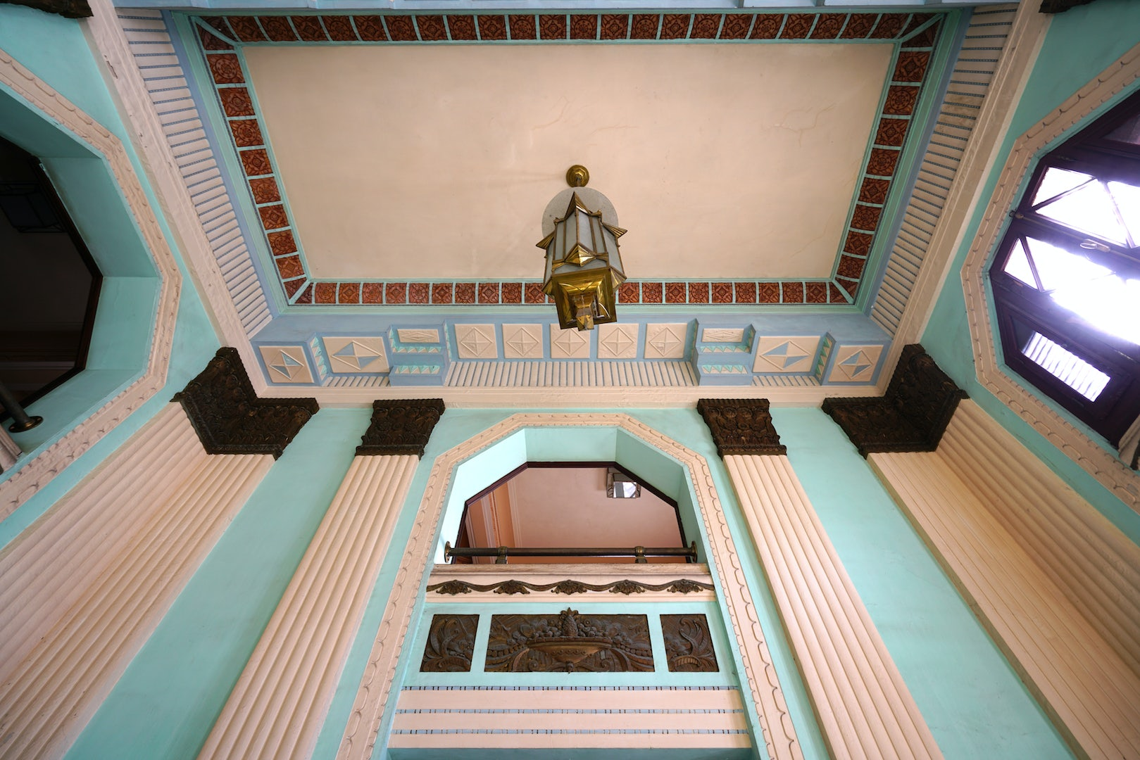 art deco interior of Edificio Bacardi