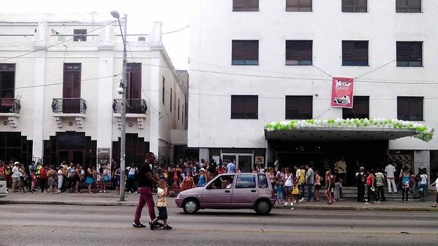 people queueing at Cine Chaplin in Havana