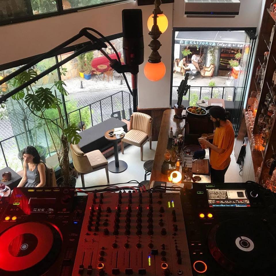 inside Noh Radio
