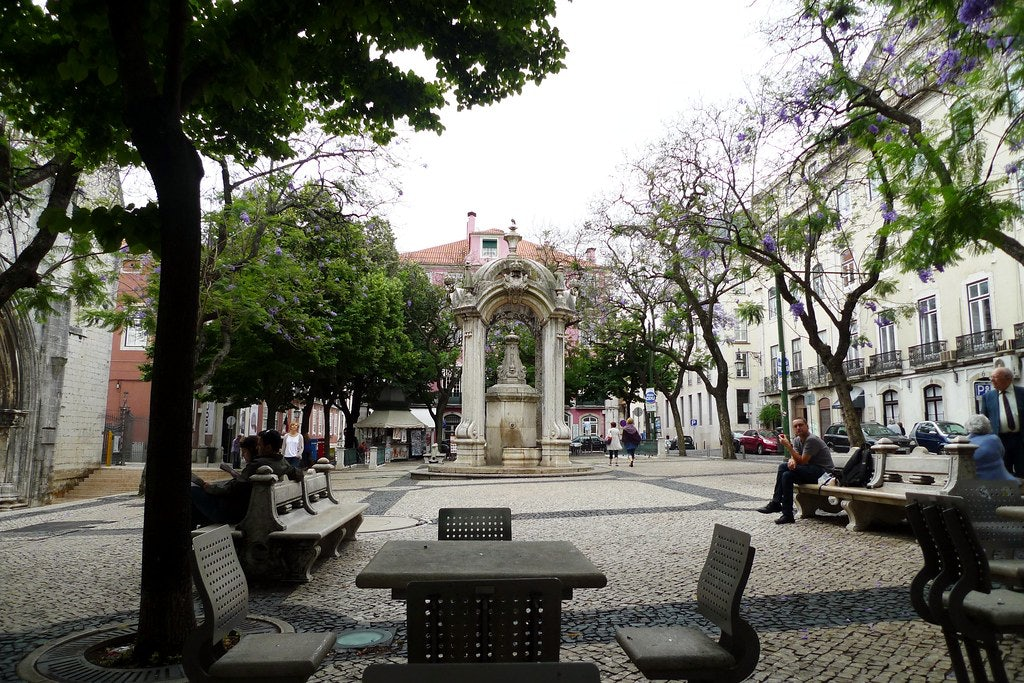 a quare at the Largo do Carmo