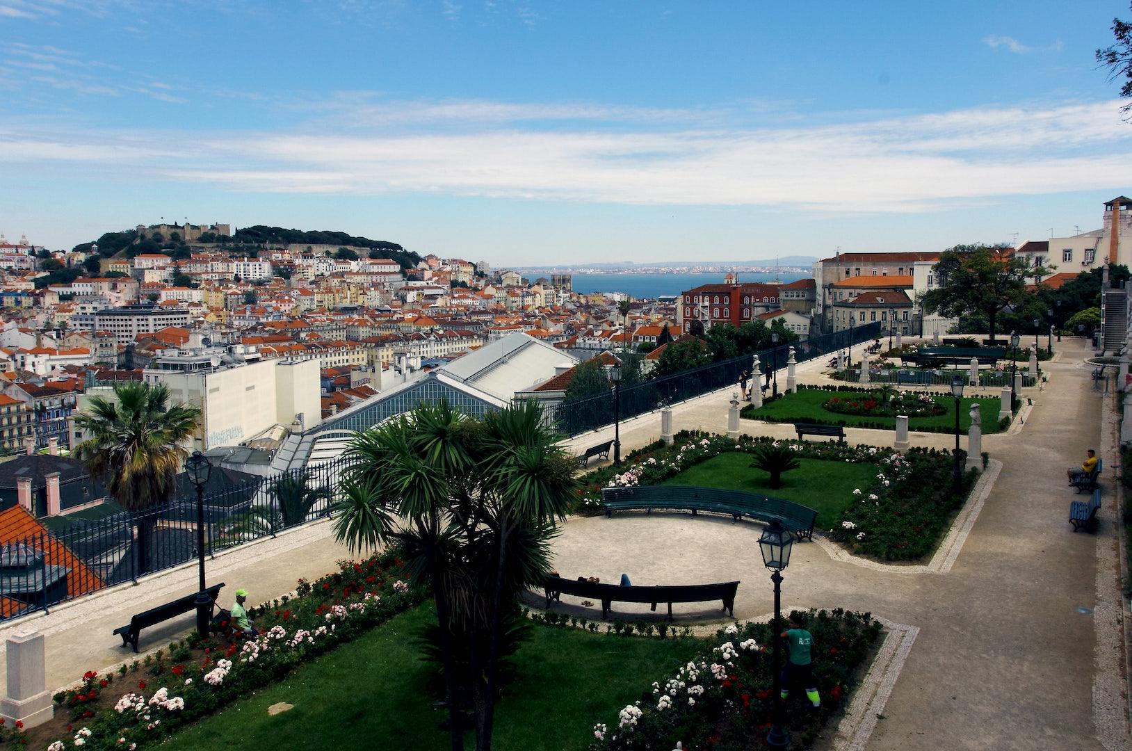 Rua São Pedro de Alcântara in Lisbon