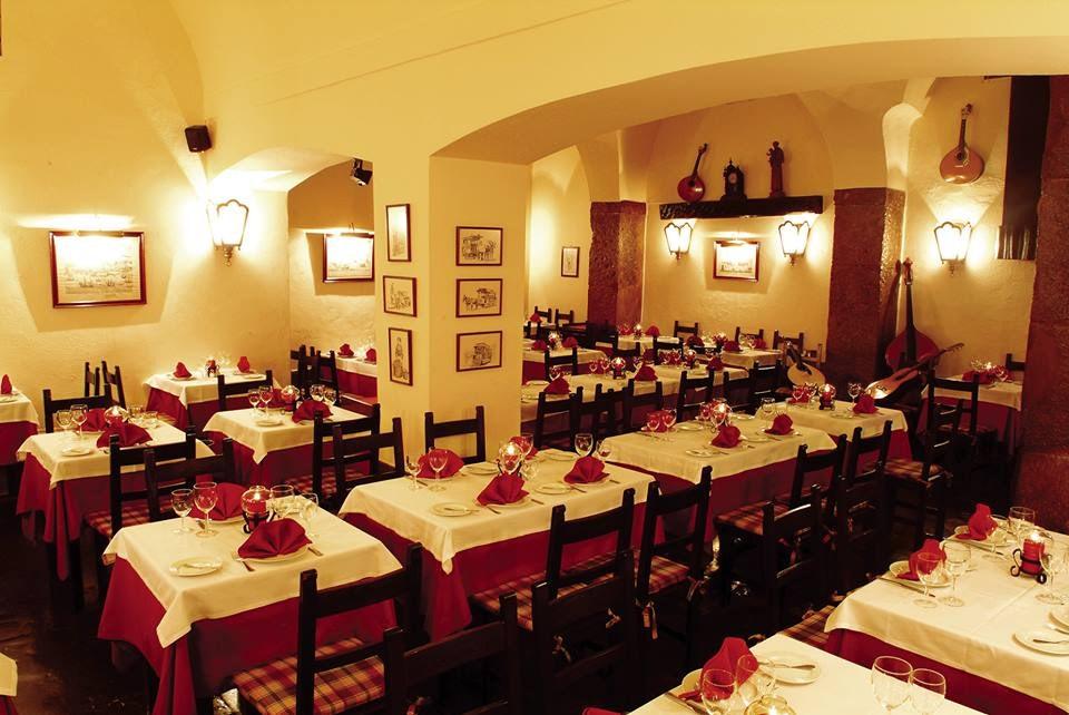 interior of Clube de Fado