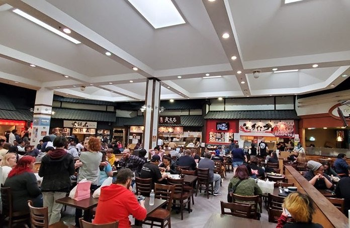people eating at Mitsuwa Marketplace