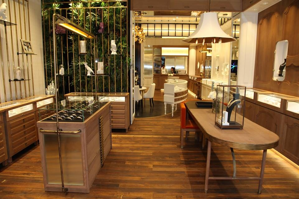 Aristocray jewellery shop