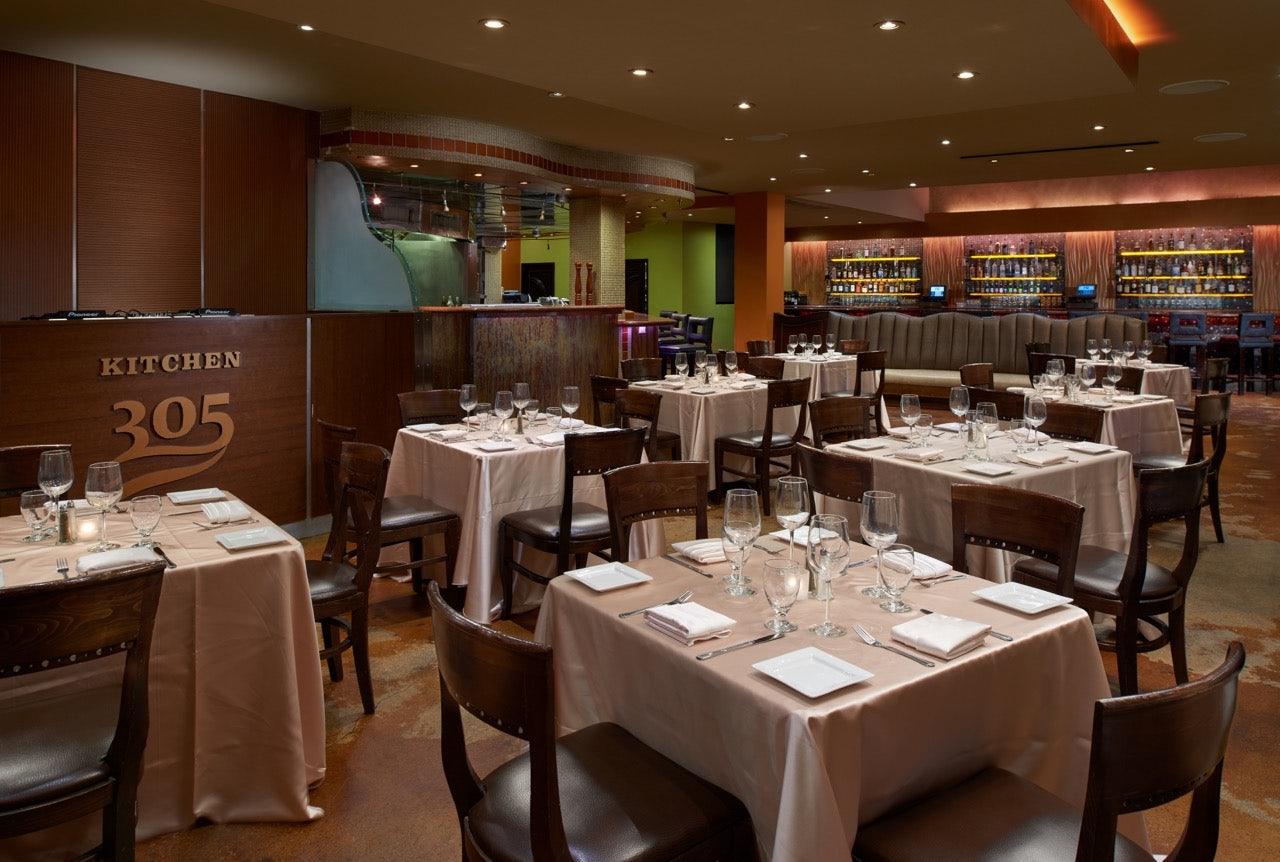 restaurant Kitchen 305