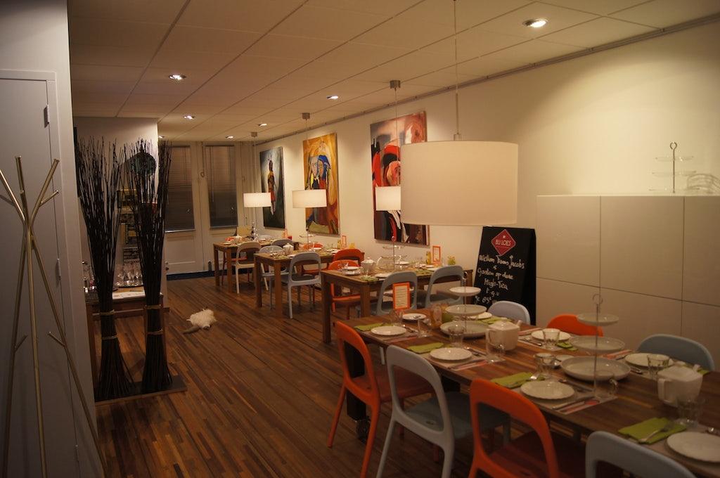 restaurant interior of Bij Loes