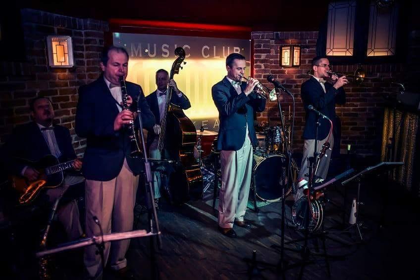 Jazz band performing at Fat Mo's Music Pub Restaurant