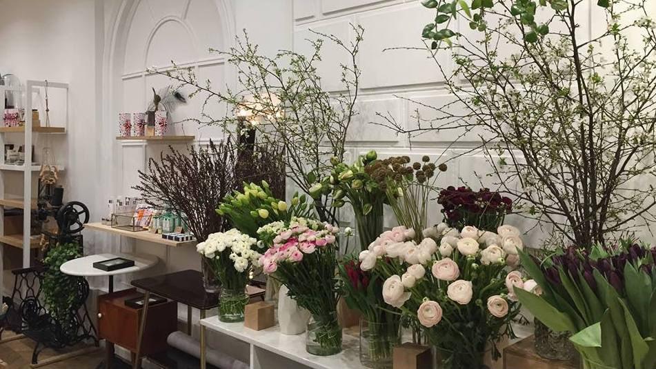 flowers at Saison studio