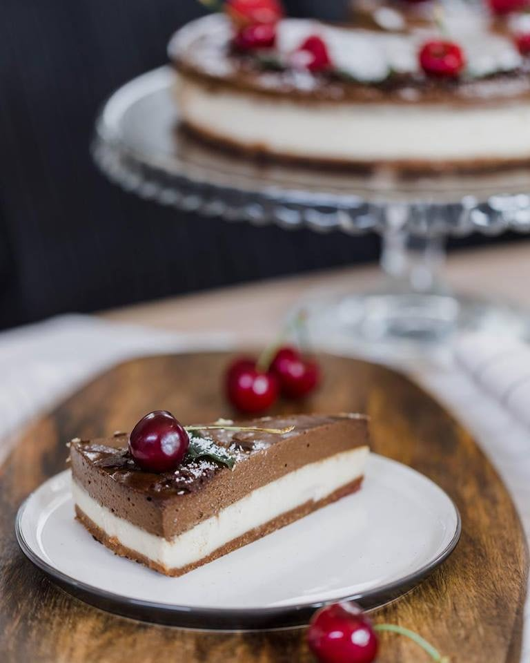 vegan chocolat cherry cake