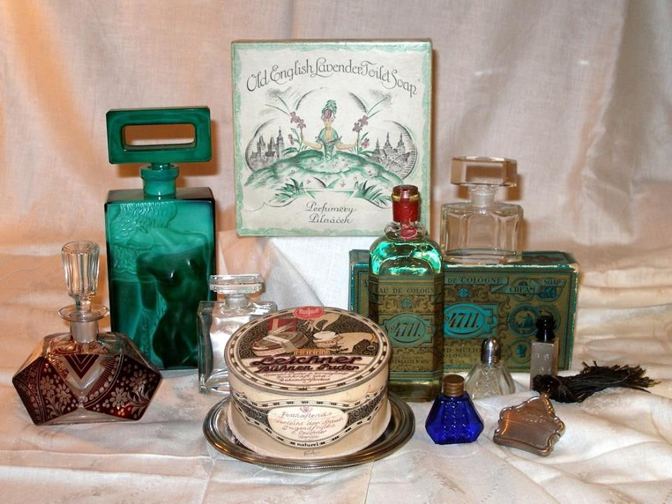 vintage perfume bottles at Antique Ahasver