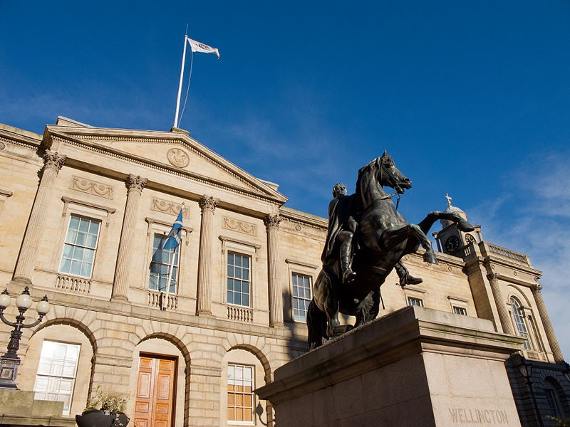 statue of the Duke of Wellington and exterior of the General Register House Edinburgh