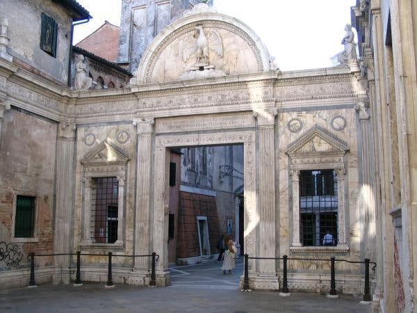 entrance to the Scuola Grande San Giovanni Evangelista