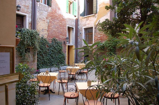 a corte or courtyard in Venice