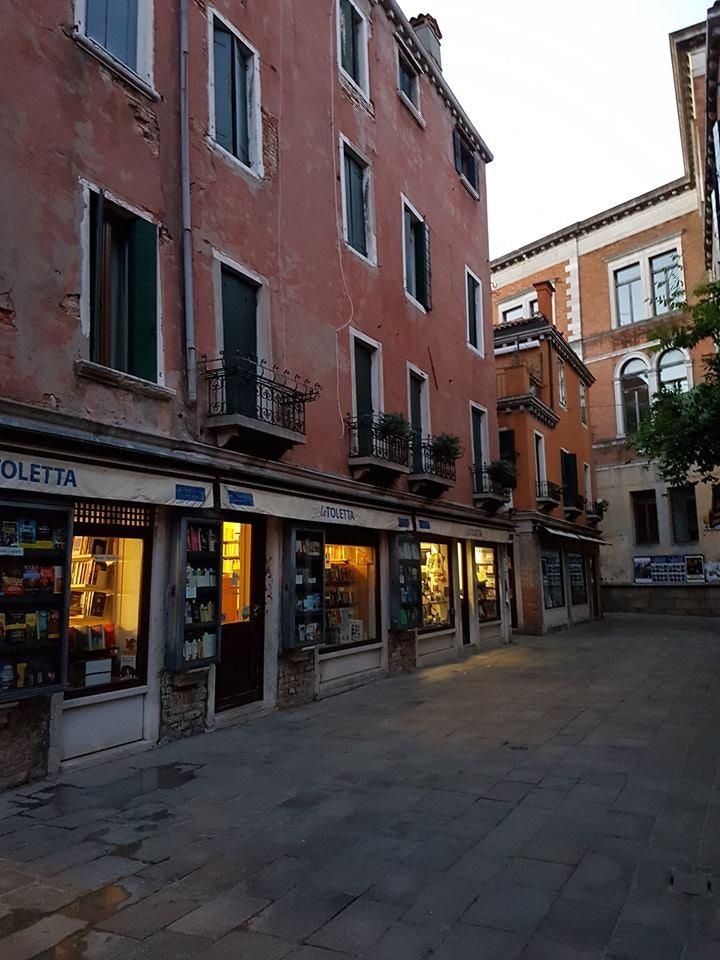 street frond of Libreria Toletta in Venice