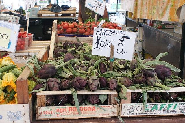 fresh asparagus at Il Mercato dell'Altraeconomia