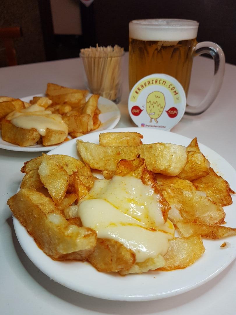 Barcelona - patatas bravas Bar Tomas