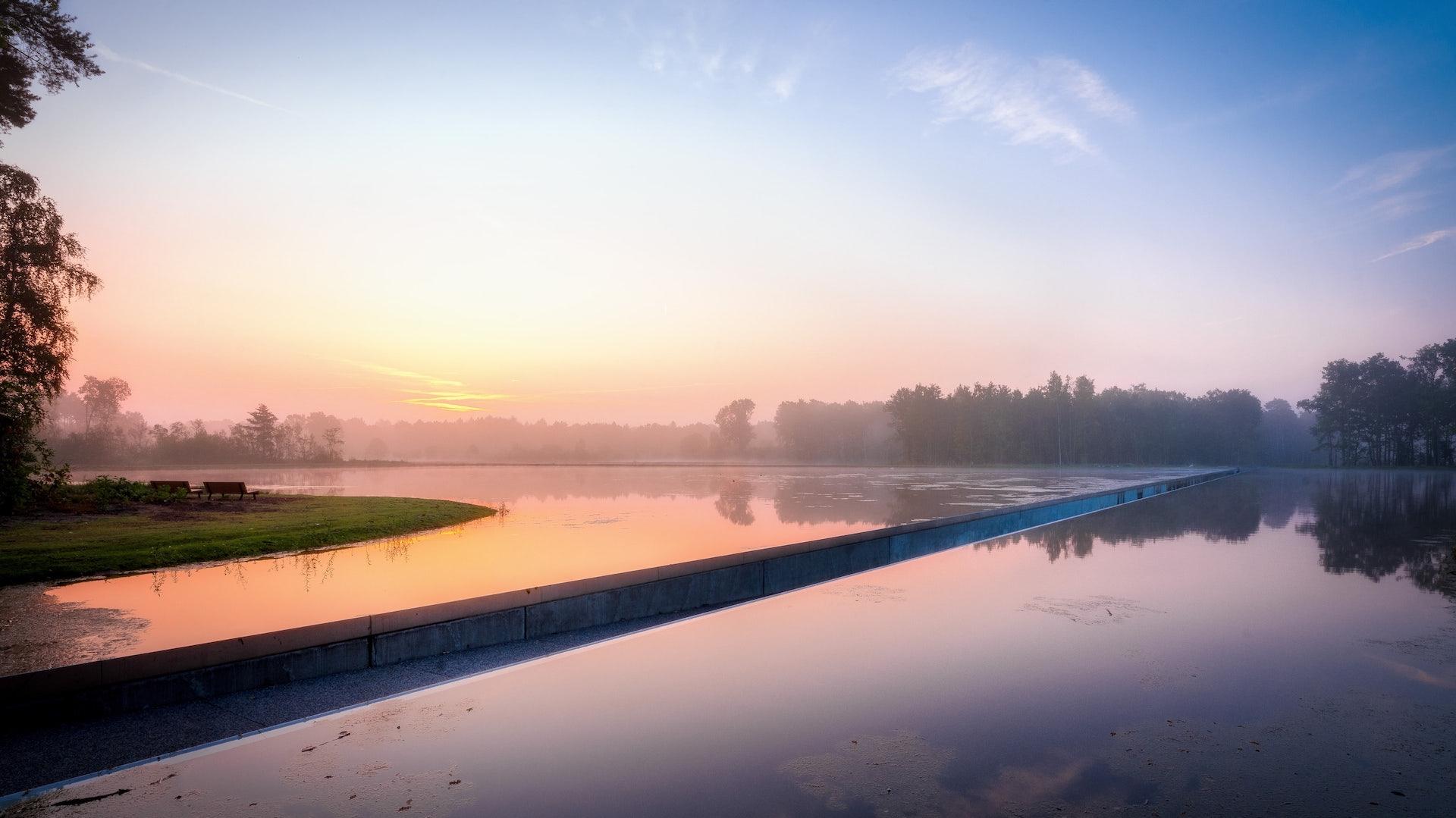 Belgium - Limburg - Bokrijk - fietsen door het water