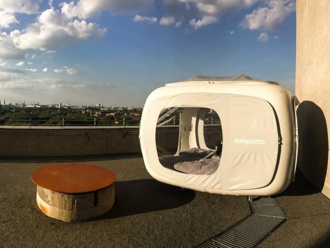 a sleeperoo tent on top of the Energiebunker in Hamburg