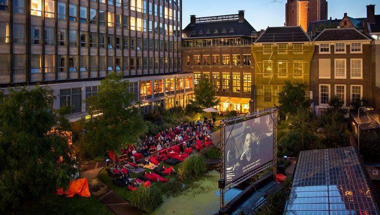 outdoor movie screening at the Nutshuis in The Hague