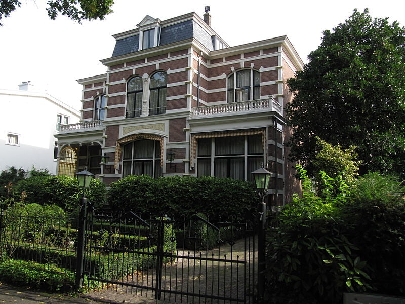 house at Van Stolkweg number 7 in The Hague