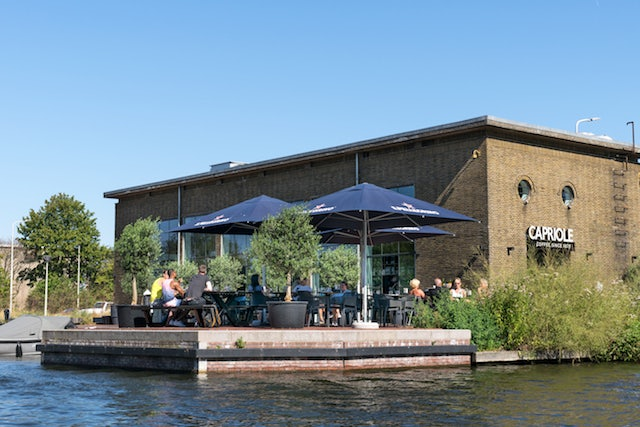 Capriole Café by the water in The Hague