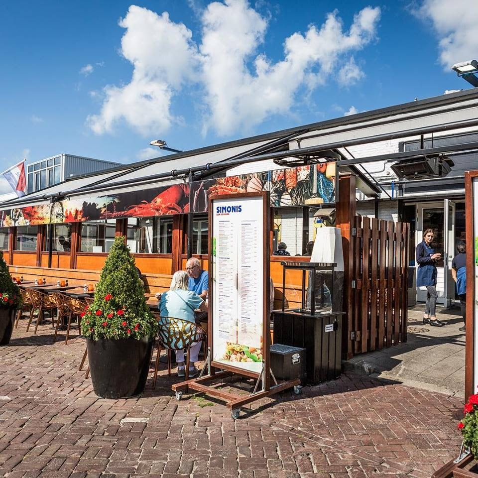 Simonis aan de haven Herring place in The Hague