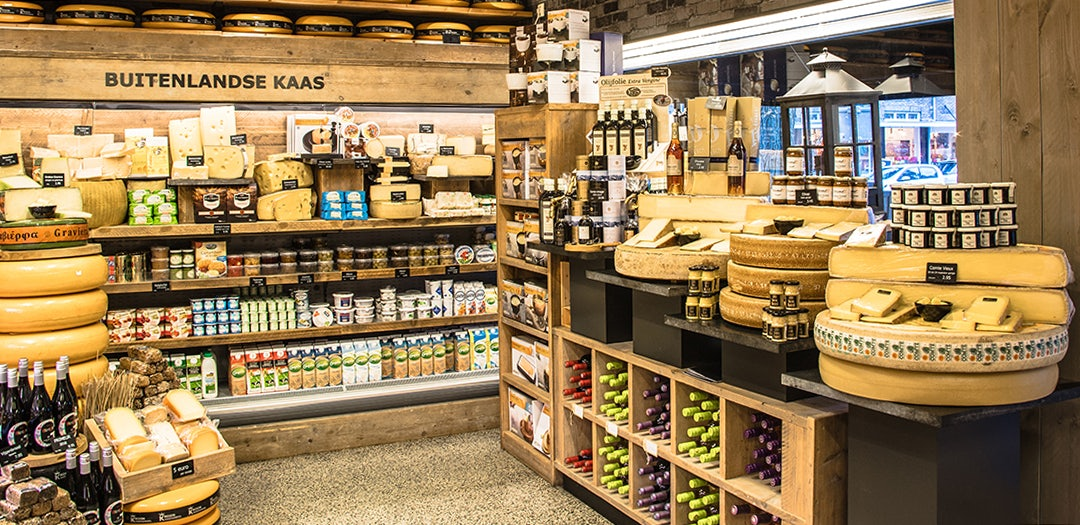 cheese products at Kroon Kaashandel in The Hague