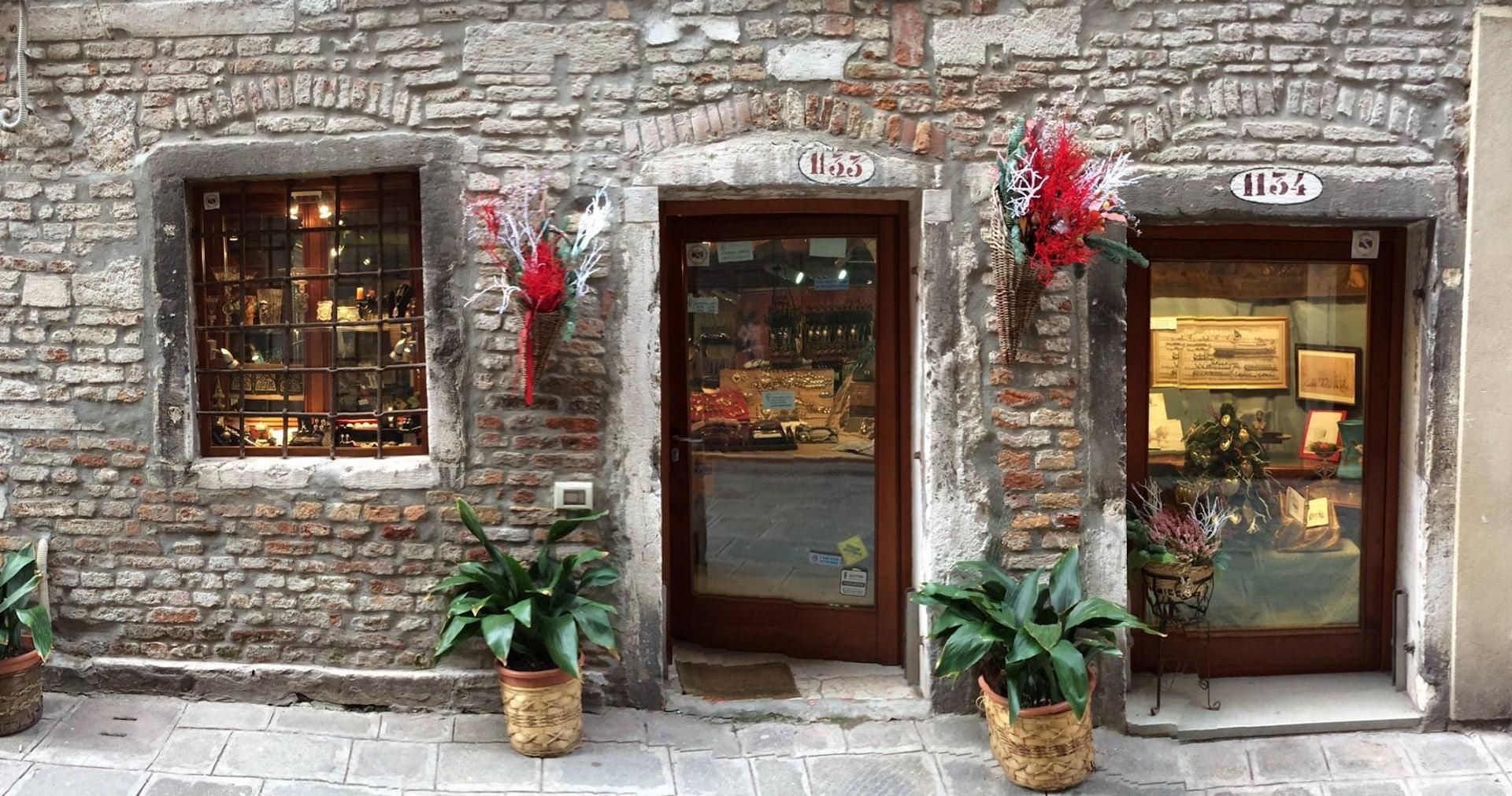 Venice - Antichita al Ghetto outside of the shop