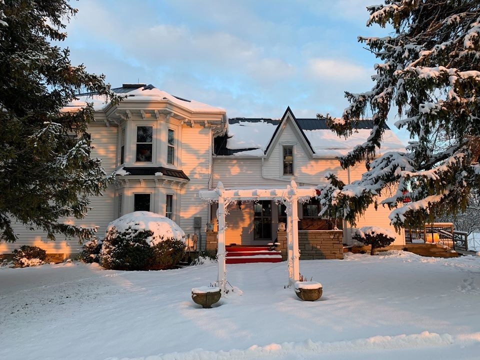 Sue-Ann Staff Estate Winery on a snowy day