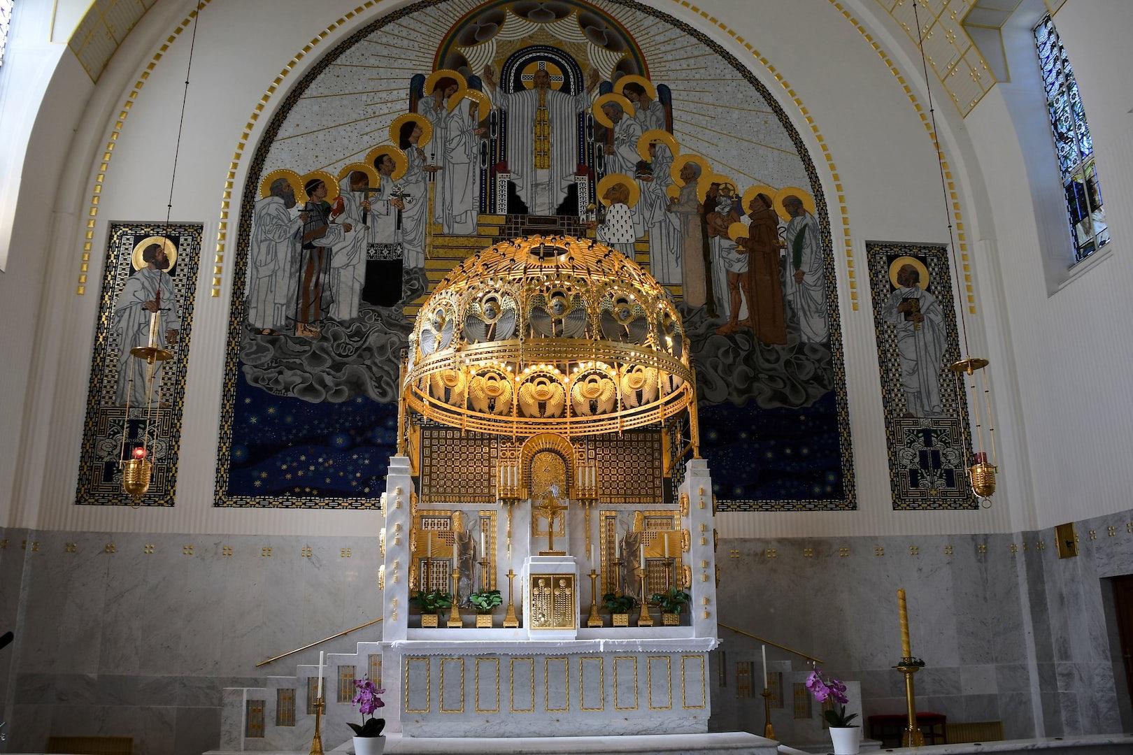 Kirche am Steinhof Jugendstil interior