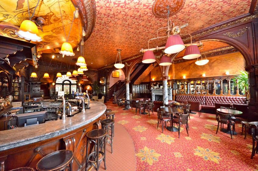 pub interior of the Warrington Hotel in Lon