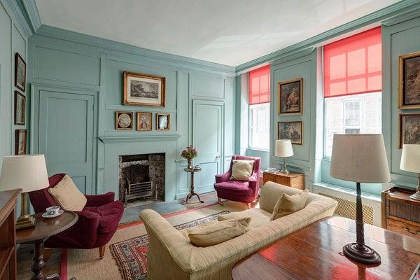 vintage interior of Princelet Street accomodation