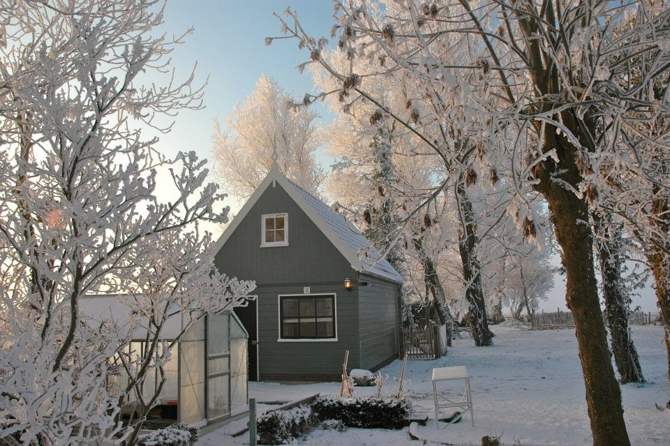 Amsterdam Country Cottage on a snowy and sunny day