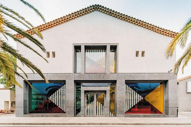 art of Daniel Buuren in the windows of the Musée Régional d'Art Contemporanie