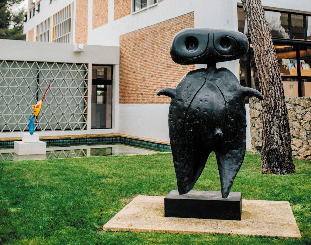 sculpture at the garden of the Maegt Foundation