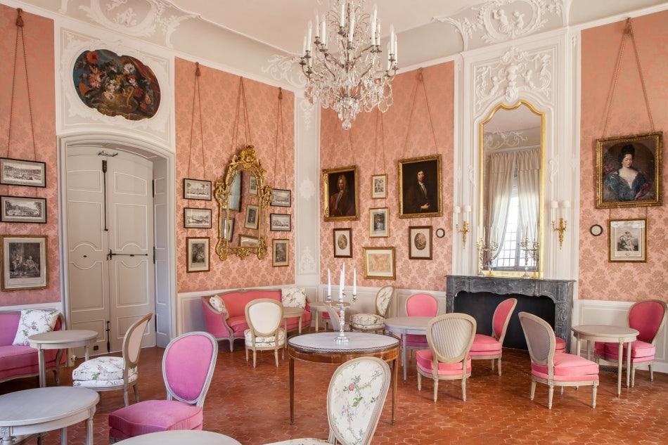 baroque interior of Le Café Caumont