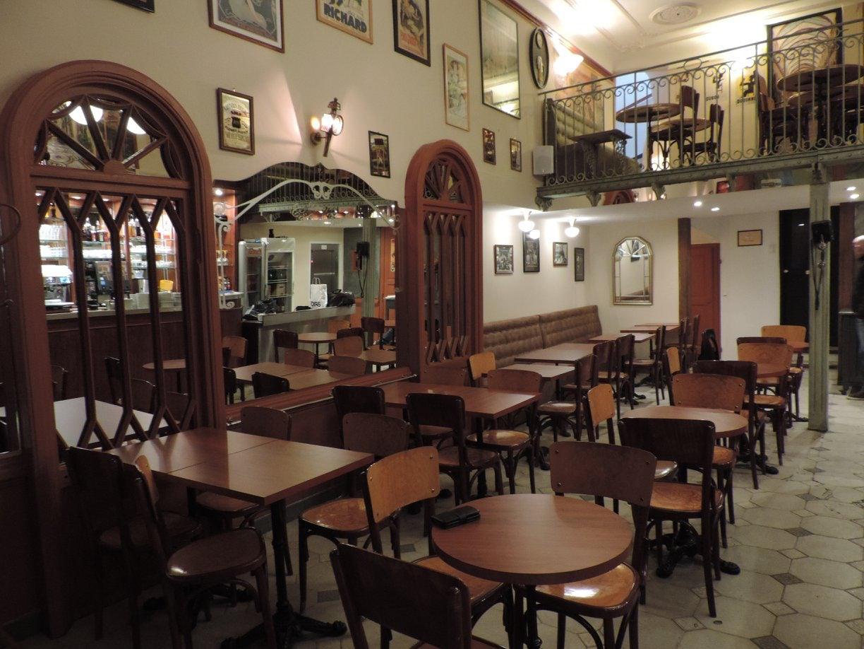 bar interior of the Café de France