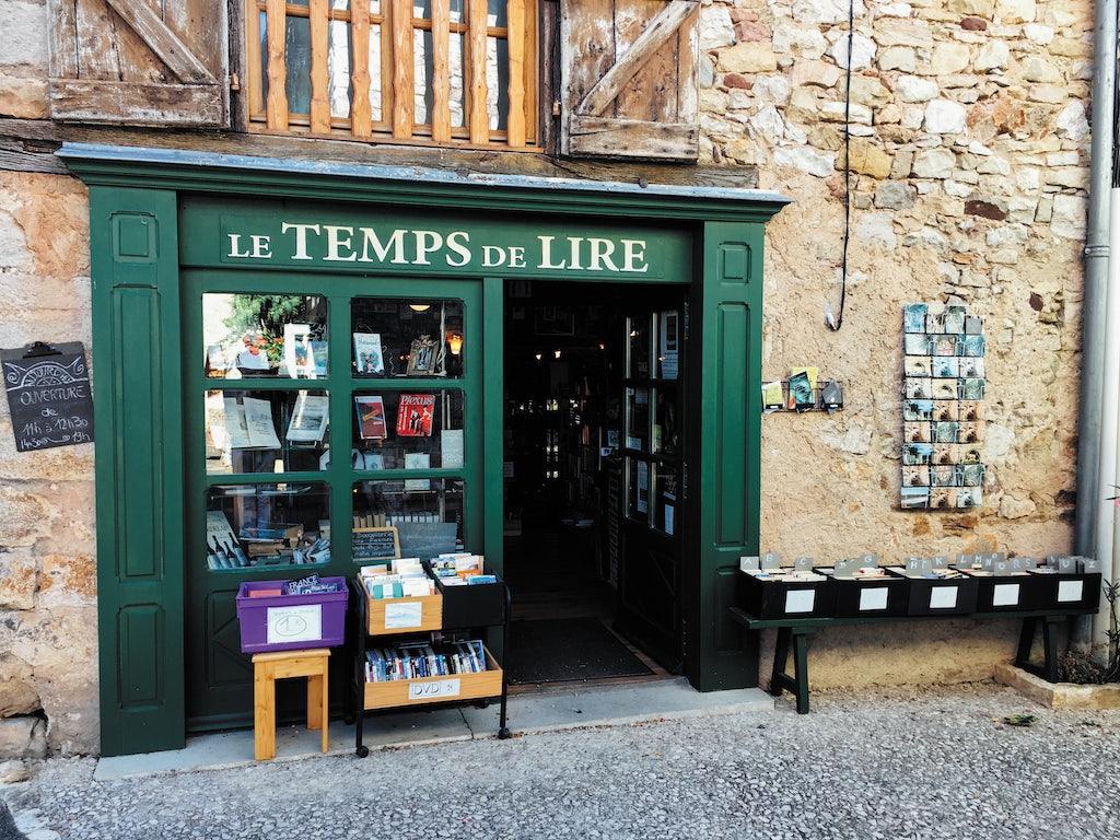 facade of the bookshop  Le Temps de Lire