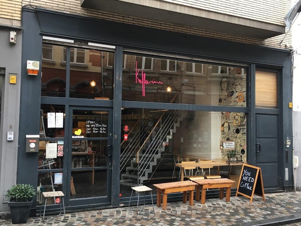 window front of coffee bar Kaffee Ine in Mechelen